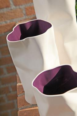 Immagine di Vaso PACK basso bianco/viola,  ceramica,14x10xH10cm
