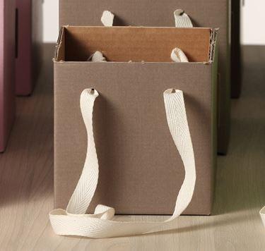 Immagine di Cubo box cartone 13x13  tortora, steso, nastro a parte