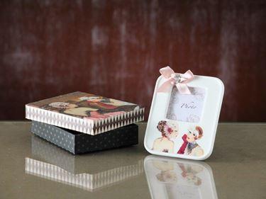 Immagine di Box regalo portafoto ragazze 11x11xH3cm.