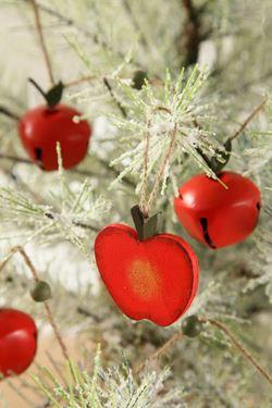 Picture of Scatola in legno con S/9 pendenti mele  rosse 21x7.5xh.2