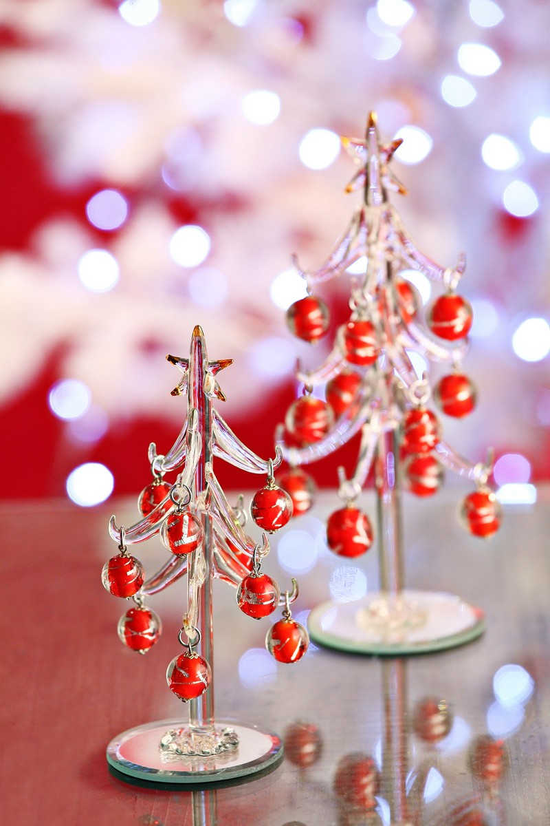 B p italia albero di natale in vetro con palline rosse e for Lampadario palline vetro