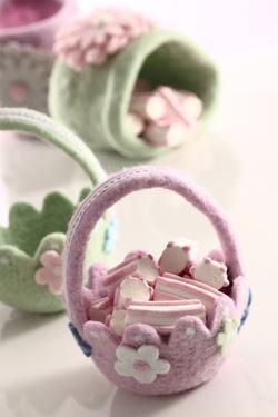 Picture of Cestino con fiorellini,lilla, feltro,D14xH17cm