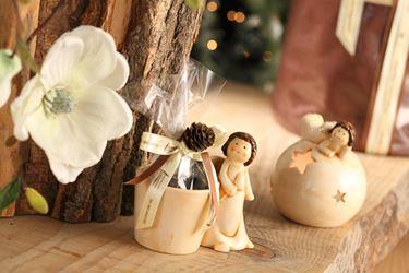 Immagine di Portavaso ANGEL,ceramica,crema, mis.13x8xH12cm;diam 8cm