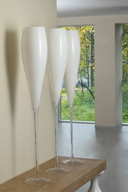 Picture of Vaso ALFRED in vetro bianco  h.120cm d.16cm