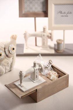 Immagine di Contenitore, legno, macchina cucire 15x10xH13.5 8.7x13.6xH4.2