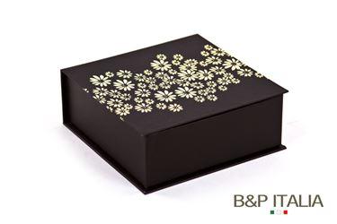 Immagine di Scatola pratoline(chiusura con calamita) marrone/crema 15,5x15,5x4,8cm