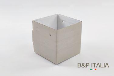 Picture of Cubo box cartone 13x13 grigio perla, steso, nastro a parte